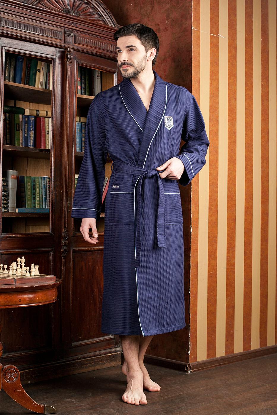 Халат мужской Five Wien Home, цвет: синий. 431. Размер XXXL (54/56)431Шикарный вафельный бамбуковый халат с элегантной вышивкой на груди и на кармане. Выполнен из высококачественного материала.