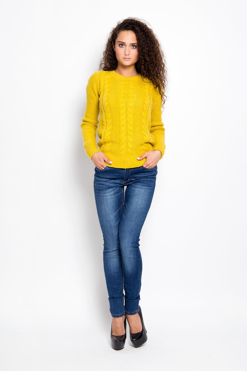 Джинсы женские Finn Flare, цвет: синий. A16-15003_125. Размер 28-32 (44-32)A16-15003_125Стильные женские джинсы Finn Flare - это джинсы высочайшего качества, которые прекрасно сидят. Они выполнены из высококачественного эластичного хлопка, что обеспечивает комфорт и удобство при носке. Модные джинсы слим стандартной посадки станут отличным дополнением к вашему современному образу. Джинсы застегиваются на пуговицу в поясе и ширинку на застежке-молнии, имеют шлевки для ремня. Джинсы имеют классический пятикарманный крой: спереди модель оформлена двумя втачными карманами и одним маленьким накладным кармашком, а сзади - двумя накладными карманами. Модель оформлена потертостями и имитацией складок.Эти модные и в то же время комфортные джинсы послужат отличным дополнением к вашему гардеробу.