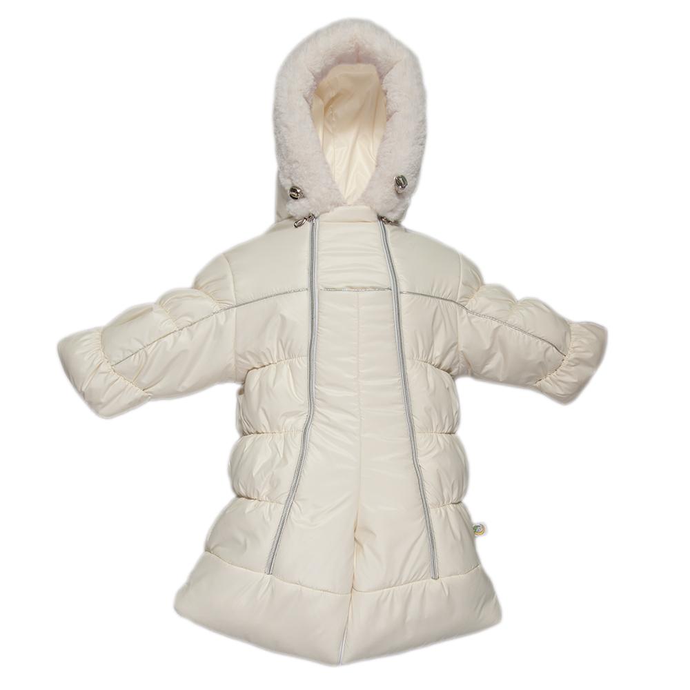 Комбинезон-трансформер детский Сонный Гномик Бамбино, цвет: молочный. 2802/4. Размер 742802/4Теплый комбинезон-трансформер Сонный Гномик Бамбино изготовлен из полиэстера на мягкой текстильной подкладке. На модели предусмотрена съемная подстежка из натуральной овечьей шерсти. В качестве утеплителя используется синтепон, также изделие оснащено теплосберегающей мембраной Shelter Kids (200г/кв.м). Комбинезон-трансформер с капюшоном и длинными рукавами застегивается на две вертикальные молнии спереди по всей длине. Капюшон, декорированный несъемной опушкой из искусственного меха, дополнен по краю эластичным шнурком со стоппером. Манжеты рукавов дополнены отворотами, которые защитят ручки малыша от холода. Благодаря удобной системе молний и кнопок на брючинах комбинезон можно легко трансформировать в конверт с рукавами. В комплект с комбинезоном входят теплые пинетки.