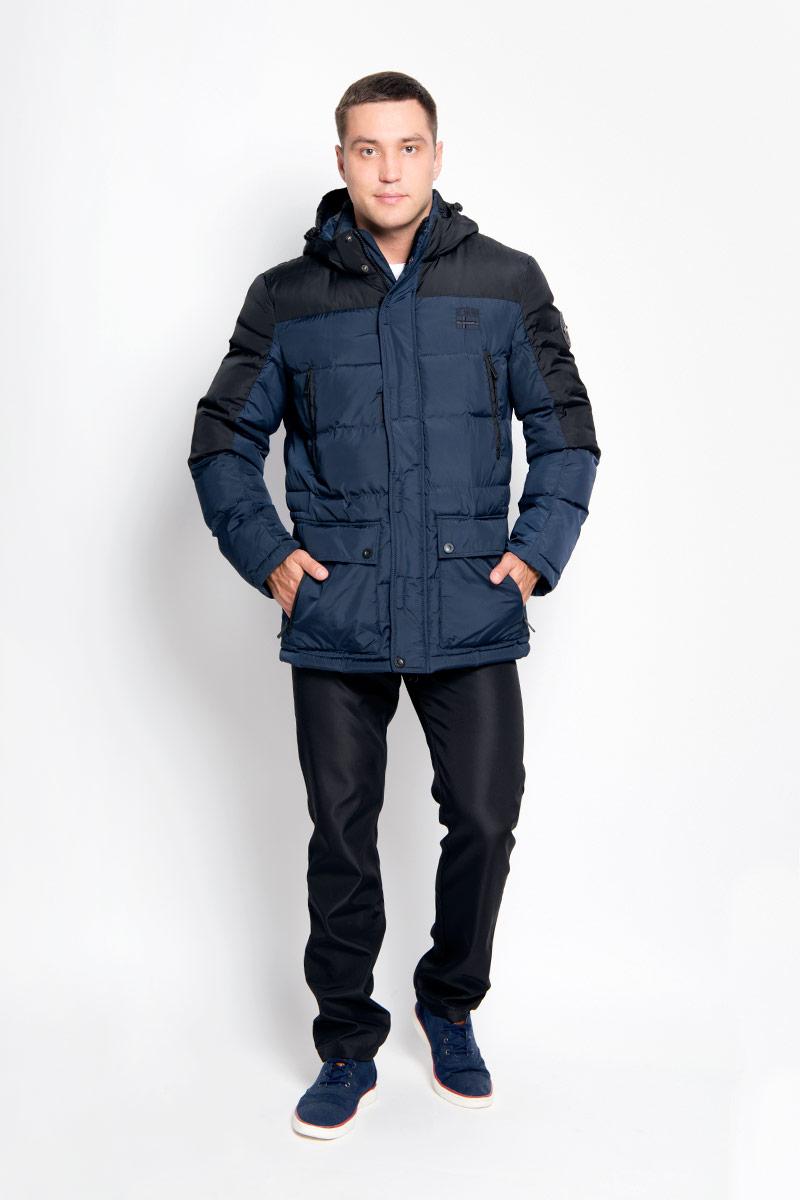 Куртка мужская Finn Flare, цвет: темно-синий. A16-42000_101. Размер L (50)A16-42000_101Стильная мужская куртка Finn Flare превосходно подойдет для холодных дней. Куртка выполнена из полиэстера, она отлично защищает от дождя, снега и ветра, а наполнитель из синтепона превосходно сохраняет тепло. Модель с длинными рукавами и воротником-стойкой застегивается на застежку-молнию и имеет ветрозащитный клапана на липучках и кнопках спереди. Съемный капюшон фиксируется при помощи кнопок, его объем регулируется шнурком-кулиской. Изделие дополнено двумя накладными карманами на клапанах с кнопками и четырьмя втачными нагрудными карманами на кнопках, а также внутренним карманом на липучке, карманом на застежке-молнии и карманом на пуговице. Рукава дополнены внутренними трикотажными манжетами. Объем талии куртки регулируется при помощи шнурка-кулиски.Эта модная и в то же время комфортная куртка согреет вас в холодное время года и отлично подойдет как для прогулок, так и для активного отдыха.