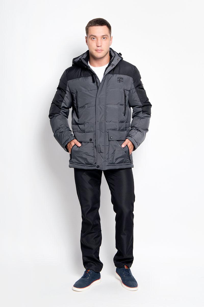Куртка мужская Finn Flare, цвет: темно-серый. A16-42000_202. Размер S (46)A16-42000_202Стильная мужская куртка Finn Flare превосходно подойдет для холодных дней. Куртка выполнена из полиэстера, она отлично защищает от дождя, снега и ветра, а наполнитель из синтепона превосходно сохраняет тепло. Модель с длинными рукавами и воротником-стойкой застегивается на застежку-молнию и имеет ветрозащитный клапана на липучках и кнопках спереди. Съемный капюшон фиксируется при помощи кнопок, его объем регулируется шнурком-кулиской. Изделие дополнено двумя накладными карманами на клапанах с кнопками и четырьмя втачными нагрудными карманами на кнопках, а также внутренним карманом на липучке, карманом на застежке-молнии и карманом на пуговице. Рукава дополнены внутренними трикотажными манжетами. Объем талии куртки регулируется при помощи шнурка-кулиски.Эта модная и в то же время комфортная куртка согреет вас в холодное время года и отлично подойдет как для прогулок, так и для активного отдыха.