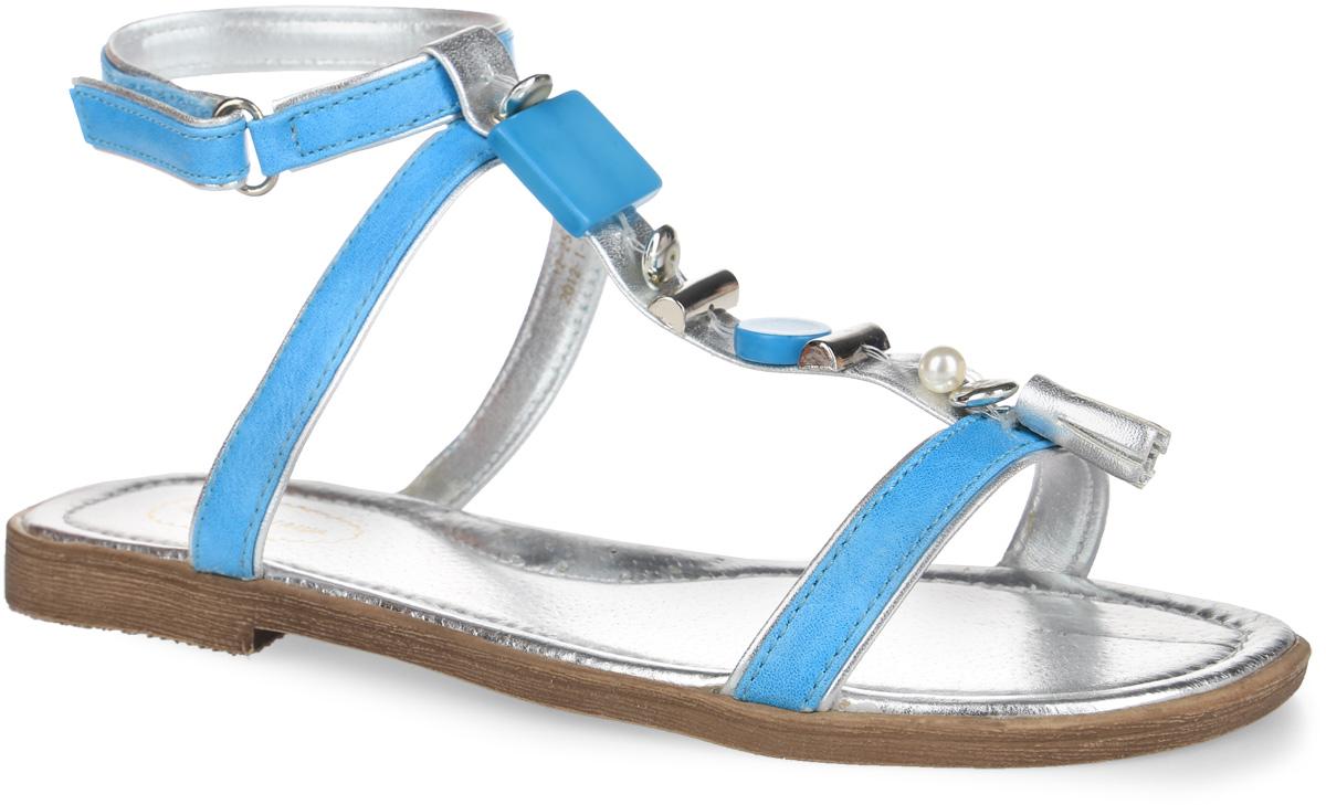 Босоножки для девочки Аллигаша, цвет: голубой, серебристый. 12-25. Размер 3212-25Модные босоножки от Аллигаша придутся по душе юной моднице и подойдут для повседневной носки в жаркую погоду!Модель максимально открыта, изготовлена из искусственной кожи и оформлена изящными ремешками. Т-образный ремешок украшен декоративными элементами из пластика различной формы.Подкладка и стелька из натуральной контрастной кожи комфортны при движении. Мягкая стелька дополнена супинатором с перфорацией, который гарантирует правильное положение ноги ребенка при ходьбе и предотвращает плоскостопие.Ремешок на застежке-липучке прочно закрепит модель на ножке. Ремешок является съемным, что позволит носить обувь в качестве шлепанцев. Подошва с рельефной поверхностью обеспечивает идеальное сцепление с любой поверхностью.Стильные босоножки - незаменимая вещь в гардеробе каждой девочки!