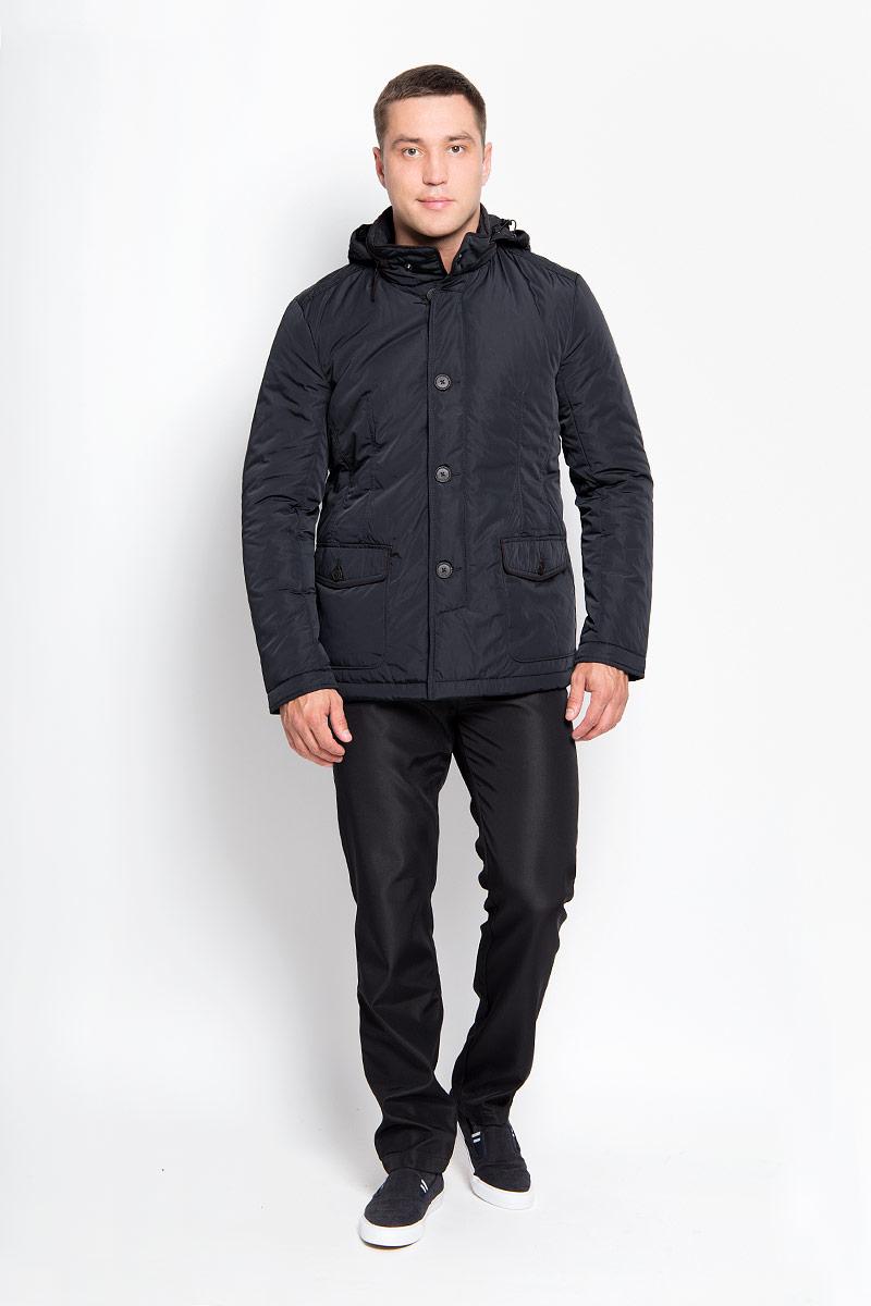 Куртка мужская Finn Flare, цвет: черный. A16-21002_200. Размер S (46)A16-21002_200Стильная мужская куртка Finn Flare превосходно подойдет для прохладных дней. Куртка выполнена из полиэстера, она отлично защищает от дождя, снега и ветра, а наполнитель из синтепона превосходно сохраняет тепло. Модель с длинными рукавами и воротником-стойкой застегивается на застежку-молнию и имеет ветрозащитный клапан на пуговицах. Воротник застегивается на кнопку. Куртка имеет несъемный капюшон, складывающийся в специальный карман на застежке-молнии на воротнике. Объем капюшона регулируется при помощи шнурка-кулиски со стопперами. Изделие дополнено двумя накладными карманами на клапанах с пуговицами, а также внутренним карманом на застежке-молнии и двумя внутренними карманами на пуговицах. Рукава дополнены манжетами на кнопках. По низу куртка дополнена разрезами на кнопках.Эта модная и в то же время комфортная куртка согреет вас в холодное время года и отлично подойдет как для прогулок, так и для активного отдыха.