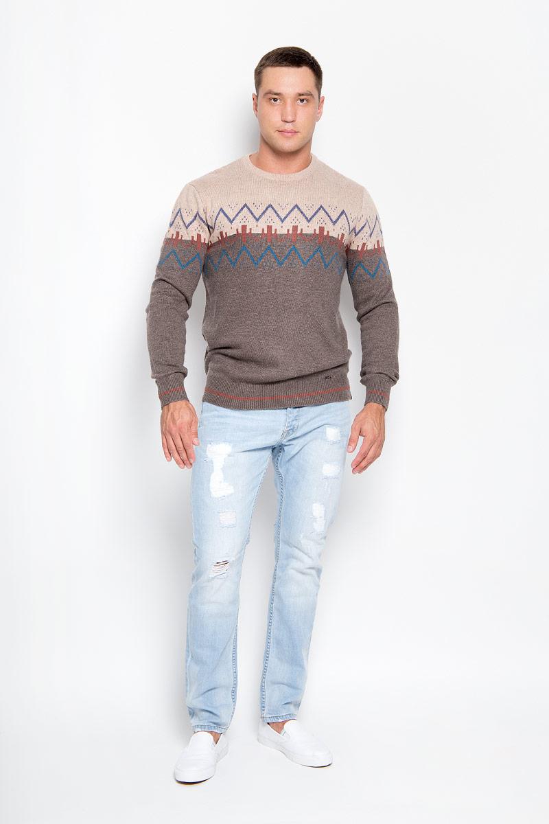 Джемпер мужской Finn Flare, цвет: коричневый, светло-коричневый. A16-22100_621. Размер S (44)A16-22100_621Оригинальный мужской джемпер Finn Flare, изготовленный из высококачественной пряжи из акрила с добавлением нейлона и ангоры, мягкий и приятный на ощупь, не сковывает движений и обеспечивает наибольший комфорт.Модель свободного кроя с круглым вырезом горловины и длинными рукавами великолепно подойдет для создания современного образа в стиле Casual. Горловина, манжеты рукавов и низ джемпера связаны резинкой. Изделие оформлено геометрическим орнаментом.Этот джемпер послужит отличным дополнением к вашему гардеробу. В нем вы всегда будете чувствовать себя уютно и комфортно в прохладную погоду.