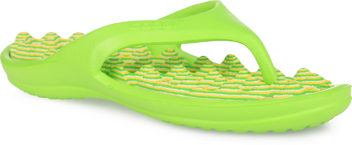 Сланцы для девочки Аллигаша, цвет: салатовый. 6612/6614. Размер 366612/6614Яркие, многофункциональные, комфортные сланцы от Аллигаша придутся по душе вашей дочурке. Верх модели выполнен из резины и оформлен на ремешке буквенным тиснением. Ремешки с перемычкой гарантируют надежную фиксацию модели на ноге. Верхняя часть подошвы, изготовленная из ЭВА материала, дополнена рифлением, предотвращающим выскальзывание ноги и обладающим массажным эффектом. Материал ЭВА имеет пористую структуру, обладает великолепными теплоизоляционными и морозостойкими свойствами, 100% водонепроницаемостью, придает обуви амортизационные свойства, мягкость при ходьбе, устойчивость к истиранию подошвы. Рельефное основание подошвы обеспечивает уверенное сцепление с любой поверхностью. Удобные сланцы прекрасно подойдут не только для похода в бассейн или на пляж.