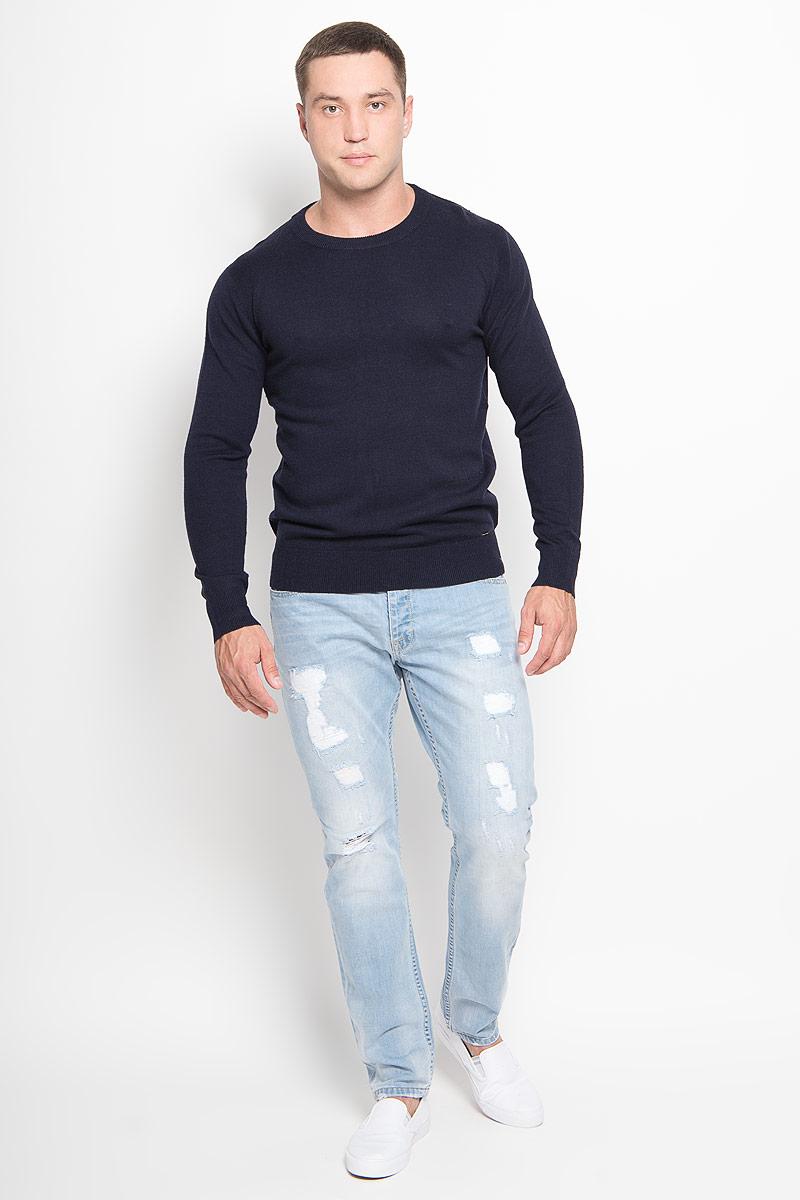 Джемпер мужской Finn Flare, цвет: темно-синий. A16-21101_101. Размер XXL (54)A16-21101_101Оригинальный мужской джемпер Finn Flare, изготовленный из высококачественной пряжи из акрила с добавлением нейлона и шерсти, мягкий и приятный на ощупь, не сковывает движений и обеспечивает наибольший комфорт.Модель с круглым вырезом горловины и длинными рукавами великолепно подойдет для создания современного образа в стиле Casual. Горловина, манжеты рукавов и низ джемпера связаны резинкой. Однотонный джемпер будет превосходно смотреться как с джинсами, так и с классическими брюками.Этот джемпер послужит отличным дополнением к вашему гардеробу. В нем вы всегда будете чувствовать себя уютно и комфортно в прохладную погоду.