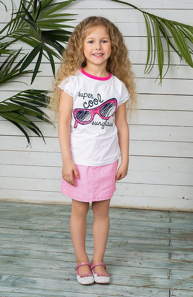Юбка для девочки Sweet Berry, цвет: розовый, белый. 195407. Размер 98, 3 года195407Стильная юбка для девочки Button Blue идеально подойдет вашей маленькой принцессе для отдыха и прогулок. Изготовленная из качественного плотного материала, не сковывает движения малышки и позволяет коже дышать, не раздражает даже самую нежную и чувствительную кожу ребенка, обеспечивая ему наибольший комфорт. Юбка трапециевидного кроя на талии застегивается на металлическую пуговицу, также имеются шлевки для ремня и ширинка на застежке-молнии. С внутренней стороны пояс регулируется резинкой на пуговицах. Модель спереди дополнена двумя втачными кармашками и накладным секретным кармашком, а сзади - двумя накладными карманами. Оформлена модель принтом в мелкую полоску и оригинальными клепками со стразами. Современный дизайн и модная расцветка делают эту юбку модным и стильным предметом детского гардероба. В ней ваша малышка всегда будет в центре внимания!