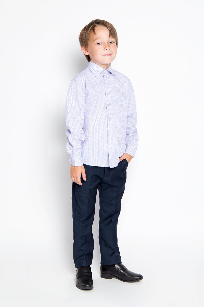 Рубашка для мальчика Tsarevich, цвет: белый, голубой, сиреневый. Graf 40. Размер 34/146-152, 12-13 летGraf 40Стильная рубашка для мальчика Tsarevich идеально подойдет вашему юному мужчине. Изготовленная из хлопка с добавлением полиэстера, она мягкая и приятная на ощупь, не сковывает движения и позволяет коже дышать, не раздражает даже самую нежную и чувствительную кожу ребенка, обеспечивая ему наибольший комфорт. Рубашка классического кроя с длинными рукавами и отложным воротничком застегивается по всей длине на пуговицы. На груди она дополнена накладным карманом на пуговице. Края рукавов дополнены широкими манжетами на пуговицах. Низ изделия немного закруглен к боковым швам. Модель оформлена принтом в мелкую цветную клетку.Такая рубашка будет прекрасно смотреться с брюками и джинсами. Она станет неотъемлемой частью детского гардероба.