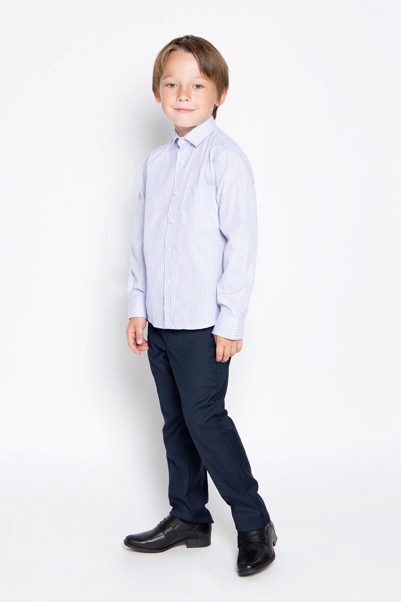 Рубашка для мальчика Imperator, цвет: голубой, сиреневый, белый. Graf 40/37. Размер 30/122-128Graf 40/37Рубашка для мальчика Imperator выполнена из хлопка с добавлением полиэстера. Она отлично сочетается как с джинсами, так и с классическими брюками. Материал изделия мягкий и приятный на ощупь, не сковывает движения и обладает высокими дышащими свойствами.Рубашка прямого кроя с длинными рукавами и отложным воротником застегивается на пуговицы по всей длине. Манжеты рукавов также имеют застежки-пуговицы. На груди предусмотрен накладной карман. Оформлена модель принтом в полоску.Такая рубашка займет достойное место в детском гардеробе, а отличное качество и дизайн принесут удовольствие от покупки!