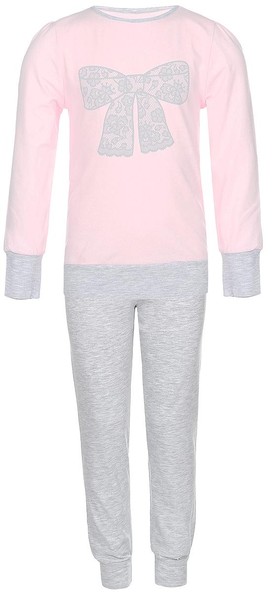 Пижама для девочки Baykar, цвет: светло-розовый, серый меланж. N9005248A-5. Размер 104/110N9005248A-5/N9005248B-5Пижама для девочки Baykar, выполненная из мягкого эластичного хлопка, идеально подойдет маленькой принцессе для сна и отдыха. Материал приятный к телу, не стесняет движений, хорошо пропускает воздух. Пижама состоит из футболки с длинным рукавом и брюк. Футболка с длинными рукавами и круглым вырезом горловины украшена изображением кружевного бантика. Вырез горловины оформлен эластичной бейкой. На рукавах имеются широкие манжеты.Брюки имеют на талии мягкую широкую резинку, благодаря чему они не сдавливают животик ребенка и не сползают. На брючинах предусмотрены широкие манжеты. Высокое качество исполнения и дизайн принесут удовольствие от покупки и подарят отличное настроение!