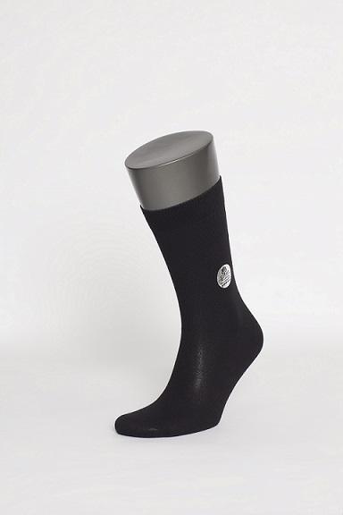 Носки мужские Uomo Fiero, цвет: черный. MS023. Размер 43/45MS023Мужские носки Uomo Fiero изготовлены из высококачественного хлопка с добавлением полиамида. Носки с классическим паголенком дополнены эластичной резинкой, которая надежно фиксирует носки на ноге.