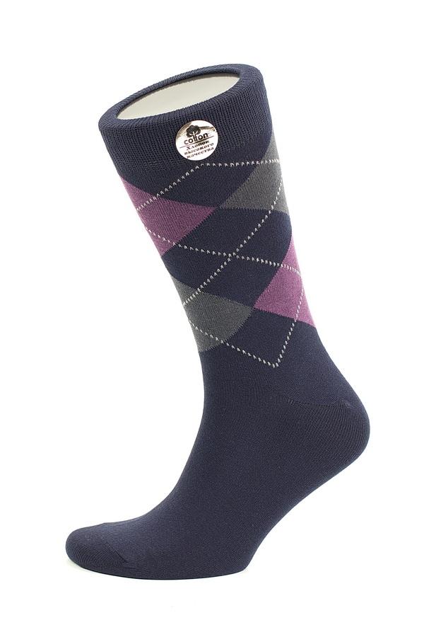 Носки мужские Uomo Fiero, цвет: темно-синий. MS059. Размер 41/43MS059Мужские носки Uomo Fiero изготовлены из высококачественного хлопкового волокна, которое обеспечивает великолепную посадку. Носкиимеют классический паголенок и отличаются элегантным внешним видом. Удобная широкая резинка идеально облегает ногу и не пережимает сосуды, усиленные пятка и мысок повышают износоустойчивость носка. Модель оформлена геометрическим орнаментом. Удобные и комфортные носки великолепно подойдут к любой вашей обуви.