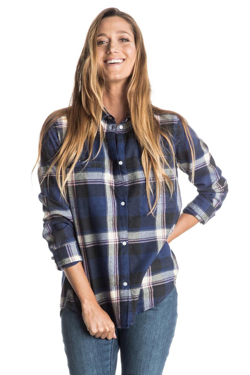 Рубашка женская Roxy Campay, цвет: синий. ERJWT03063-BSQ1. Размер XS (40/42)ERJWT03063-BSQ1Женская рубашка из мягкой фланели с начесом. Модель с длинным рукавом застегивается на пуговицы. Спинка дополнина молнией.Круглый металлический логотип у подола.
