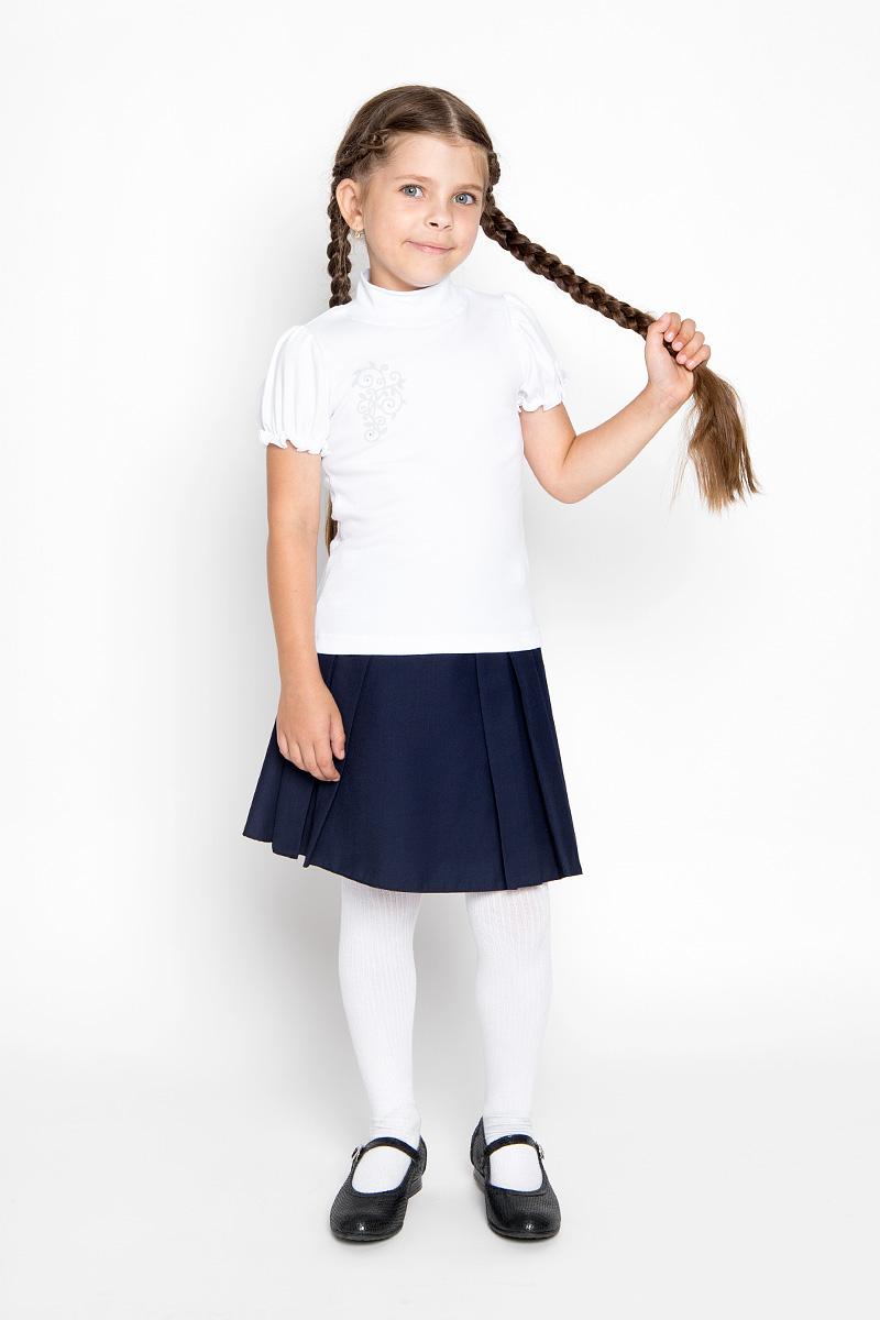 Водолазка для девочки M&D, цвет: белый. AW5561B-1. Размер 152AW5561A-1/AW5561B-1Водолазка для девочки M&D идеально подойдет вашей маленькой принцессе. Изготовленная из натурального хлопка, она мягкая и приятная на ощупь, не раздражает нежную кожу ребенка и хорошо вентилируется, а эластичные швы приятны телу ребенка и не препятствуют его движениям. Водолазка с короткими рукавами-фонариками и воротником-стойкой оформлена изящным узором на груди, декорированным стразами. Воротник выполнен из трикотажной эластичной резинки. Рукава дополнены эластичной резинкой с внутренней стороны, образующей волнистый край. Современный дизайн и расцветка делают эту водолазку модным и стильным предметом детской одежды. В ней маленькой моднице будет комфортно и уютно!