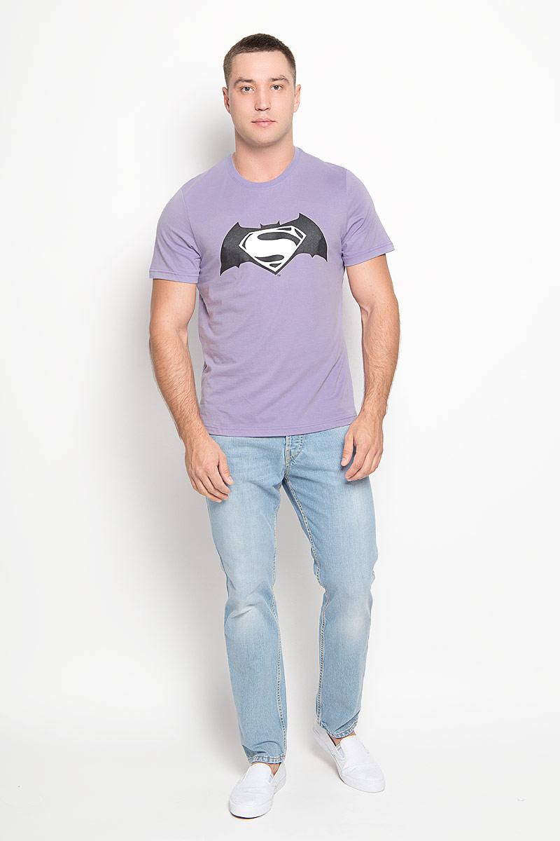 Футболка мужская RHS Superman, цвет: сиреневый. 42906. Размер S (46)42906Оригинальная мужская футболка RHS Superman, выполненная из высококачественного хлопка, обладает высокой теплопроводностью, воздухопроницаемостью и гигроскопичностью, позволяет коже дышать. Модель с короткими рукавами и круглым вырезом горловины, оформлена принтом спереди на тему легендарного комикса Batman. Горловина дополнена эластичной трикотажной резинкой.Идеальный вариант для тех, кто ценит комфорт и качество.