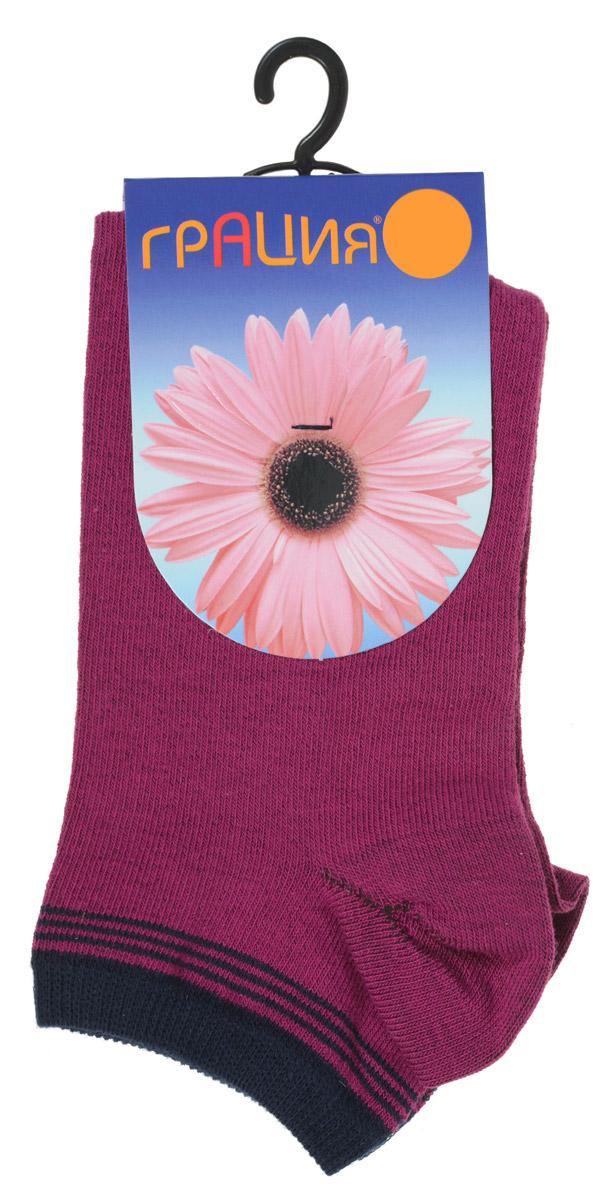 Носки женские Грация, цвет: бордовый, темно-синий. H 001. Размер 1 (35/37)H 001Удобные женские носки Грация, изготовленные из высококачественного комбинированного материала, очень мягкие и приятные на ощупь, позволяют коже дышать. Эластичная резинка плотно облегает ногу, не сдавливая ее, обеспечивая комфорт и удобство. Носки с укороченным паголенком оформлены полосками контрастного цвета в верхней части носка.Удобные и комфортные носки великолепно подойдут к любой вашей обуви.