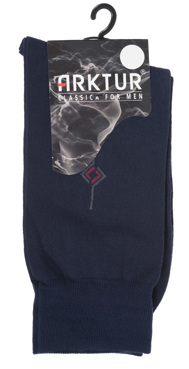Носки мужские Arktur, цвет: темно-синий. Л 204. Размер 42/43Л 204Всесезонные мужские носки Arktur с рисунком на паголенке оптимал-класса. Изготовлены из хлопка с небольшим добавлением полиамида. Комфортная широкая резинка пресс-контроль не сдавливает и мягко облегает ногу.Носки обладают повышенной прочностью, не подвержены усадке. Усиленная пятка и мысок. Удлиненный паголенок с абстрактным рисунком.