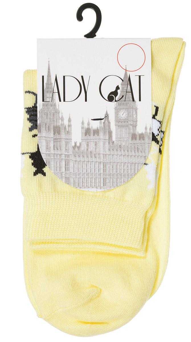 Носки женские Lady Cat, цвет: светло-желтый. М 3003. Размер 2 (38/40)М 3003Женские носки Lady Cat, изготовленные из высококачественного комбинированного материала, очень мягкие и приятные на ощупь, позволяют коже дышать. Эластичная резинка плотно облегает ногу, не сдавливая ее, обеспечивая комфорт и удобство. Носки со стандартным паголенком, который оформлен оригинальным принтом в виде кошечек.Удобные и комфортные носки великолепно подойдут к любой вашей обуви.