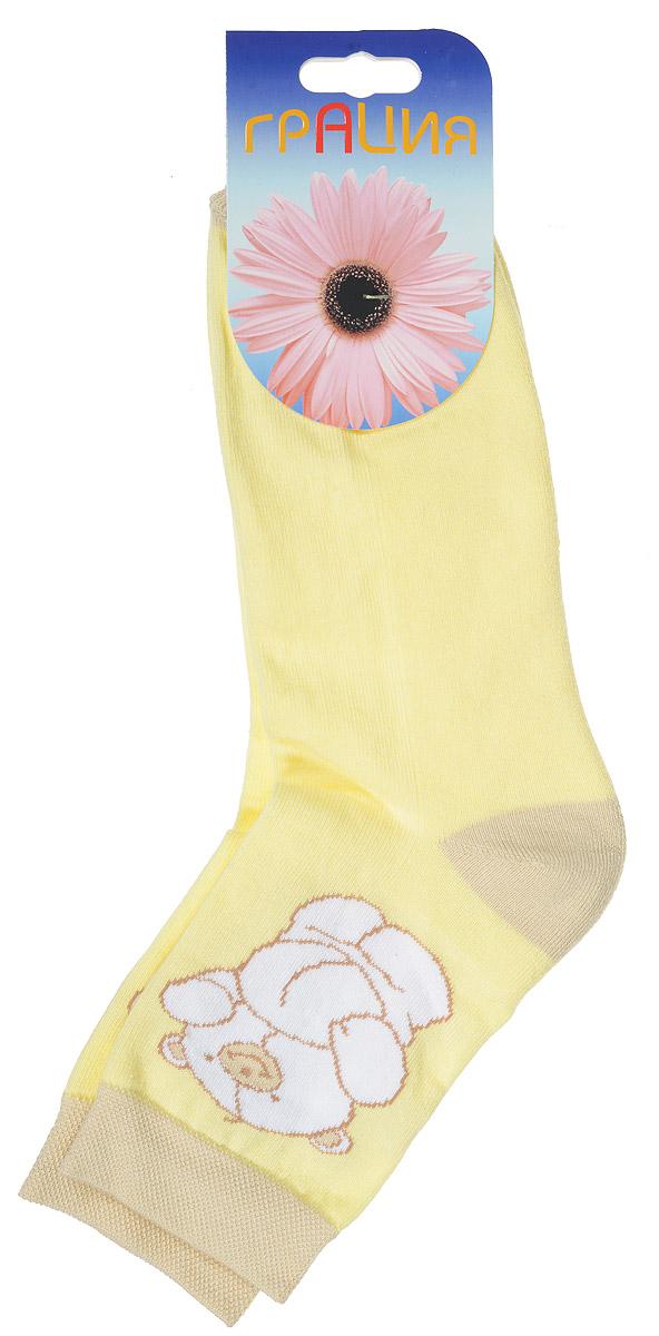 Носки женские Грация, цвет: светло-желтый. М 1083. Размер 1 (35/37)М 1083Женские теплые носки Грация, изготовленные из высококачественного комбинированного материала, очень мягкие и приятные на ощупь, позволяют коже дышать. Эластичная, резинка плотно облегает ногу, не сдавливая ее, обеспечивая комфорт и удобство. Нижняя часть носка выполнена из махры. Носки со стандартным паголенком, который оформлен рисунком забавного медвежонка.Удобные и комфортные носки великолепно подойдут к любой вашей обуви.