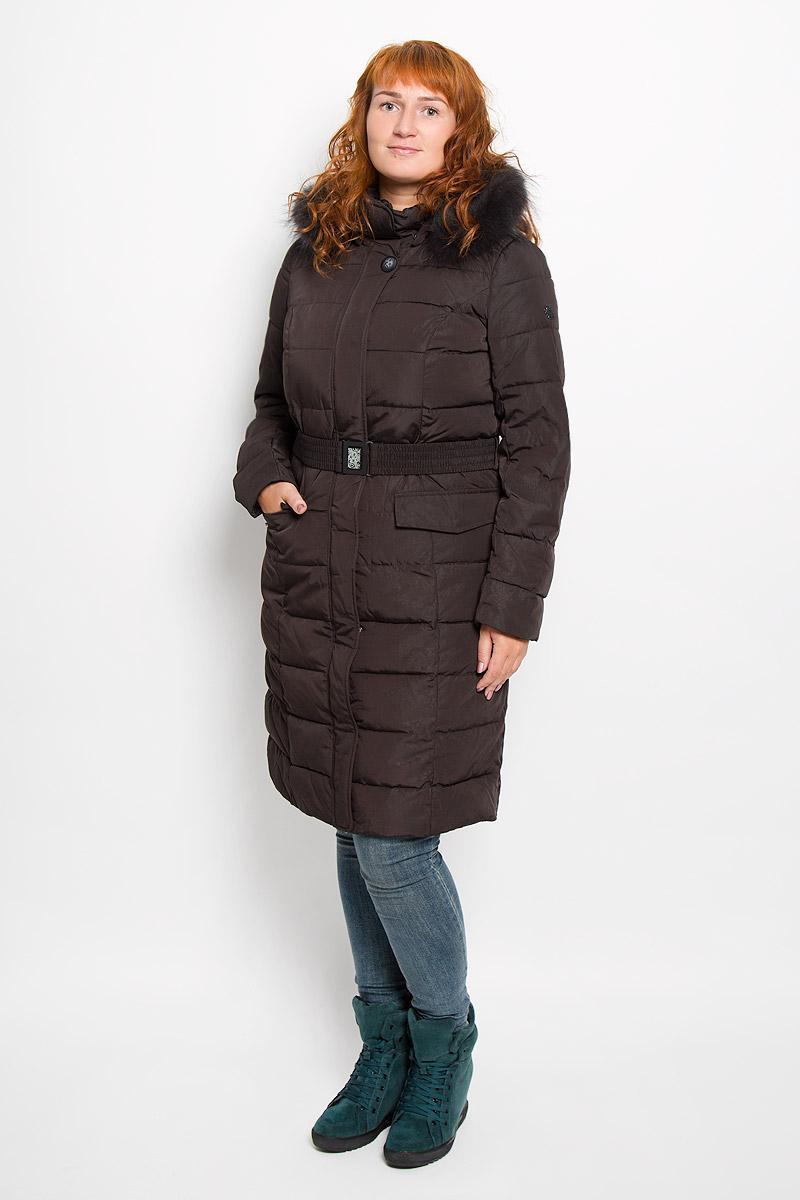 Пальто женское Finn Flare, цвет: темно-коричневый. A16-11000_616. Размер M (46)A16-11000_616Удобное женское пальто Finn Flare согреет вас в прохладную погоду и позволит выделиться из толпы. Удлиненная модель с длинными рукавами и воротником-стойкой выполнена из прочного полиэстера, застегивается на молнию спереди. Пальто имеет съемный капюшон на кнопках, объем которого регулируется при помощи шнурка-кулиски со стопперами. Изделие дополнено двумя накладными карманами на клапанах с кнопками спереди. Пальто оформлено оригинальным орнаментом и дополнено съемным ремнем с застежкой-защелкой. Плотный наполнитель из синтепона надежно сохранит тепло, благодаря чему такое пальто защитит вас от ветра и холода. Это модное и в то же время комфортное пальто - отличный вариант для прогулок, оно подчеркнет ваш изысканный вкус и поможет создать неповторимый образ.