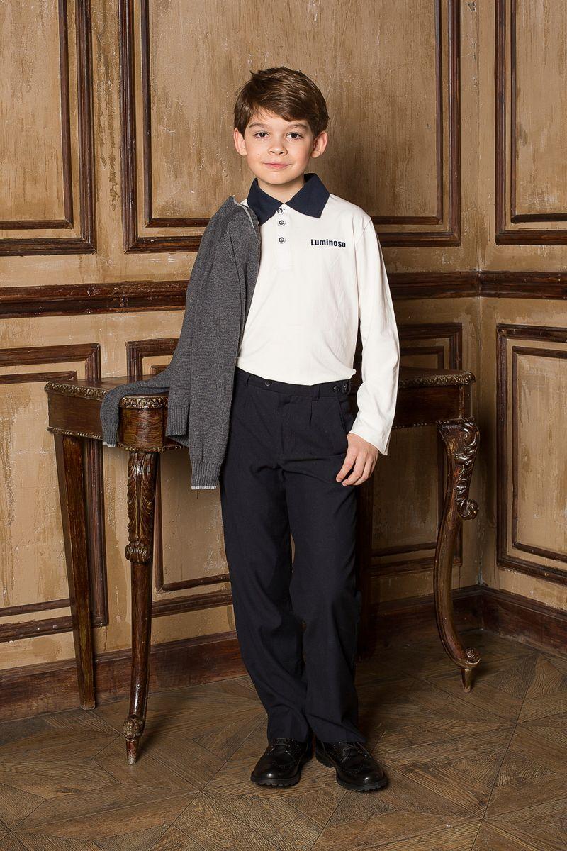 Поло для мальчика Luminoso, цвет: белый, темно-синий. 206607. Размер 152206607Поло для мальчика Luminoso с отложным воротником и длинными рукавамивыполнена из хлопка с добавлением эластана, что обеспечивает комфортность и простоту в носке.