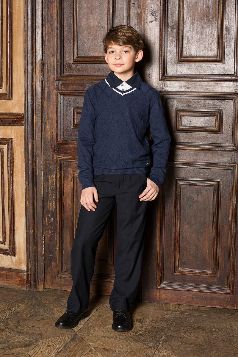 Пуловер для мальчика Luminoso, цвет: синий. 206611. Размер 152206611Стильный классический вязаный джемпер Luminoso с длинными рукавами и V-образным вырезом горловины. Манжеты и низ изделия связаны эластичной резинкой.