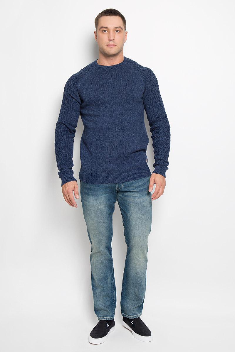 Джемпер мужской Wrangler, цвет: темно-синий. W85856QRQ. Размер M (48)W85856QRQСтильный мужской джемпер Wrangler, выполненный из натурального хлопка, мягкий и приятный на ощупь, не сковывает движения и позволяет коже дышать, обеспечивая комфорт. Модель с круглым вырезом горловины и длинными рукавами-реглан. Низ изделия, край горловины и манжеты связаны эластичной резинкой, что предотвращает деформацию при носке. Уютный джемпер станет отличным дополнением к вашему гардеробу.