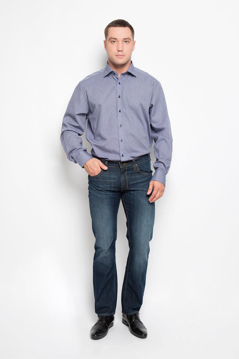 Рубашка мужская Eterna, цвет: темно-синий. 4386_18_X177_38-46_68. Размер 444386_18_X177_38-46_68Стильная мужская рубашка Eterna, выполненная из натурального хлопка подчеркнет ваш уникальный стиль и поможет создать оригинальный образ. Такой материал великолепно пропускает воздух, обеспечивая необходимую вентиляцию, а также обладает высокой гигроскопичностью. Рубашка с длинными рукавами и отложным воротником застегивается на пуговицы спереди. Манжеты рукавов также застегиваются на пуговицы. Изделие украшено принтом в микроклетку. Классическая рубашка - превосходный вариант для базового мужского гардероба и отличное решение на каждый день.Такая рубашка будет дарить вам комфорт в течение всего дня и послужит замечательным дополнением к вашему гардеробу.