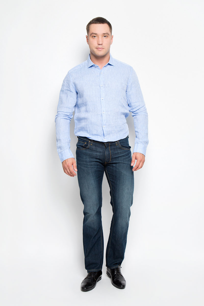 Рубашка мужская And Camicie, цвет: голубой. 001T620S_020. Размер 40001T620S_020Стильная мужская рубашка And Camicie, выполненная из натурального льна подчеркнет ваш уникальный стиль и поможет создать оригинальный образ. Такой материал великолепно пропускает воздух, обеспечивая необходимую вентиляцию, а также обладает высокой гигроскопичностью. Рубашка с длинными рукавами и отложным воротником застегивается на пуговицы спереди. Манжеты рукавов также застегиваются на пуговицы. Классическая рубашка - превосходный вариант для базового мужского гардероба и отличное решение на каждый день.Такая рубашка будет дарить вам комфорт в течение всего дня и послужит замечательным дополнением к вашему гардеробу.