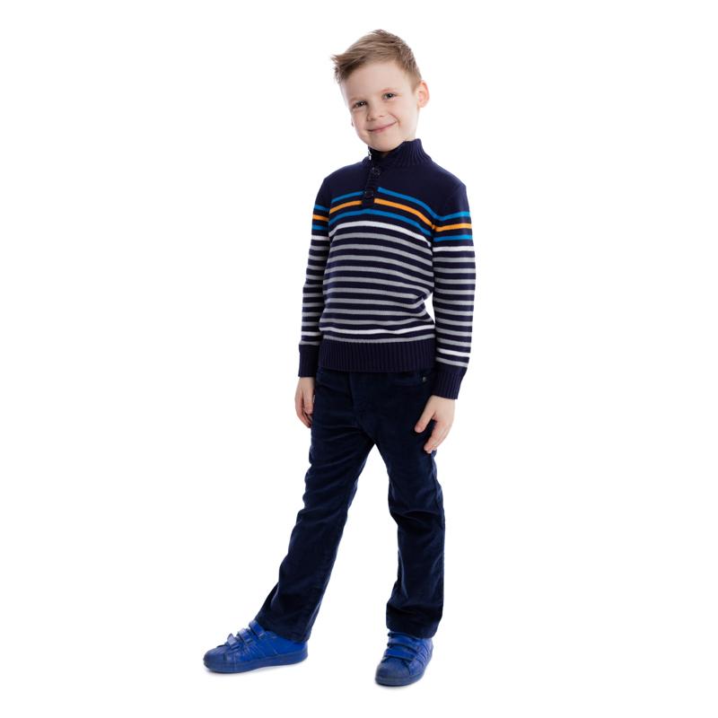 Свитер для мальчика PlayToday, цвет: серый, синий, белый, оранжевый. 361062. Размер 110361062Уютный свитер для мальчика изготовлен из вязаного трикотажа. Модель с воротником-стойкой, надежно защищающим от ветра, оформлена стильным узором в разнокалиберную полоску. Воротник, рукава и низ изделия связаны мягкой резинкой. Свитер застегивается на пуговицы на груди и воротнике.