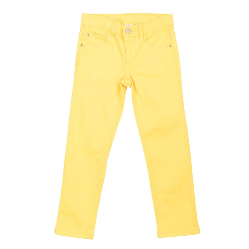Брюки для девочки PlayToday, цвет: желтый. 362171. Размер 122362171Стильные твиловые брюки для девочки выполнены из комфортного материала с отделкой металлическими клепками со сверкающими стразами. Модель прямого кроя застегивается на молнию и пуговицу, имеются шлевки для ремня. Модель представляет собой классическую пятикарманку: два втачных и один маленький накладной кармашек спереди и два накладных кармана сзади. Яркий цвет модели позволяет создавать стильные образы.