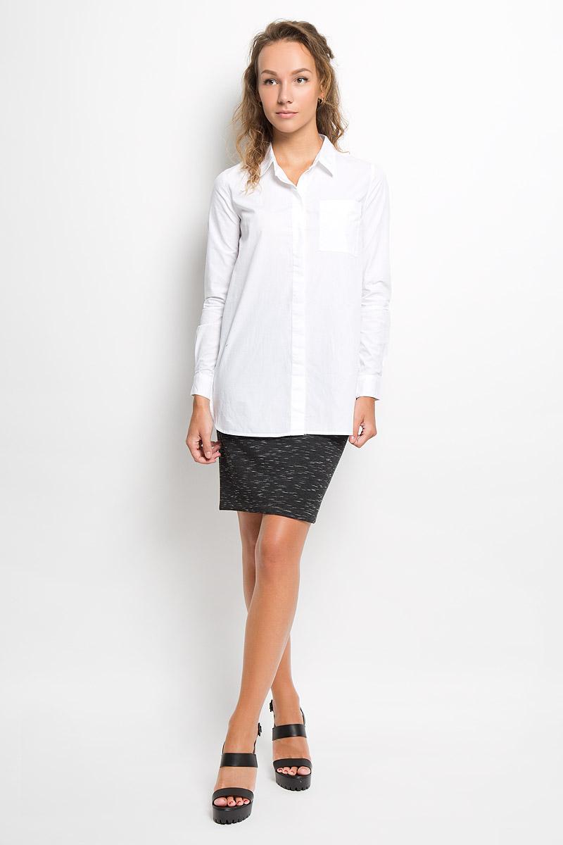 Рубашка женская Sela Casual, цвет: белый. B-312/1051-6332. Размер L (48)B-312/1051-6332Модная рубашка Sela Casual займет достойное место в вашем гардеробе. Модель выполнена из натурального хлопка. Материал приятный на ощупь, хорошо пропускает воздух, не стесняет движений. Рубашка с отложным воротником и длинными рукавами застегивается спереди по всей длине на пуговицы, скрытые за планкой. На груди расположен накладной карман. На рукавах предусмотрены манжеты с застежками-пуговицами. Низ изделия закруглен, по бокам имеются разрезы. Удлиненная рубашка поможет создать оригинальный образ, а также подарит вам комфорт в течение всего дня!