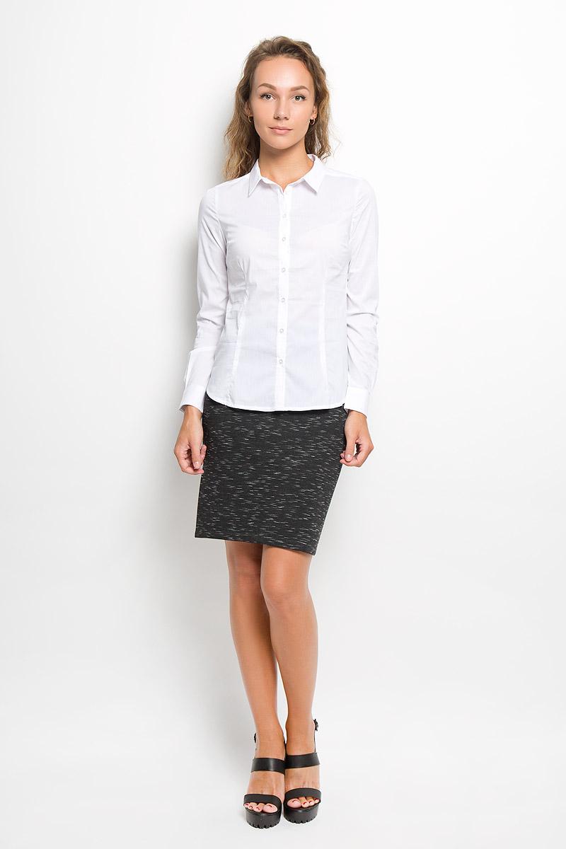 Рубашка женская Sela, цвет: белый. B-112/1045-6321. Размер M (46)B-112/1045-6321Женская рубашка Sela изготовлена из хлопка с добавлением нейлона и эластана. Материал изделия мягкий и приятный на ощупь, не стесняет движений и хорошо пропускает воздух, обеспечивая комфорт. Рубашка с отложным воротником и длинными рукавами имеет полуприлегающий силуэт. Модель застегивается спереди по всей длине на пуговицы. На рукавах предусмотрены манжеты с застежками-пуговицами. Эта рубашка идеальный вариант для повседневного гардероба. Модель порадует настоящих ценителей комфорта и практичности!