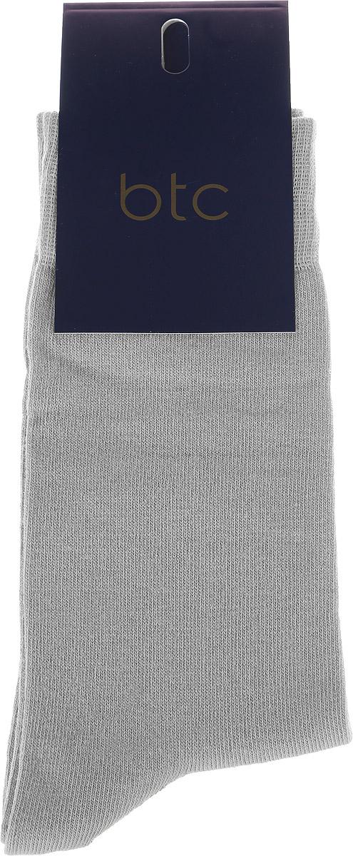 Носки мужские BTC, цвет: светло-серый. 12.019190. Размер 27/2912.019190Удобные носки BTC изготовлены из высококачественного комбинированного материала, который обеспечивает великолепную посадку.Очень мягкие и приятные на ощупь. Эластичная резинка плотно облегает ногу, не сдавливая ее, обеспечивая комфорт и удобство.Практичные и комфортные носки великолепно подойдут к любой вашей обуви.