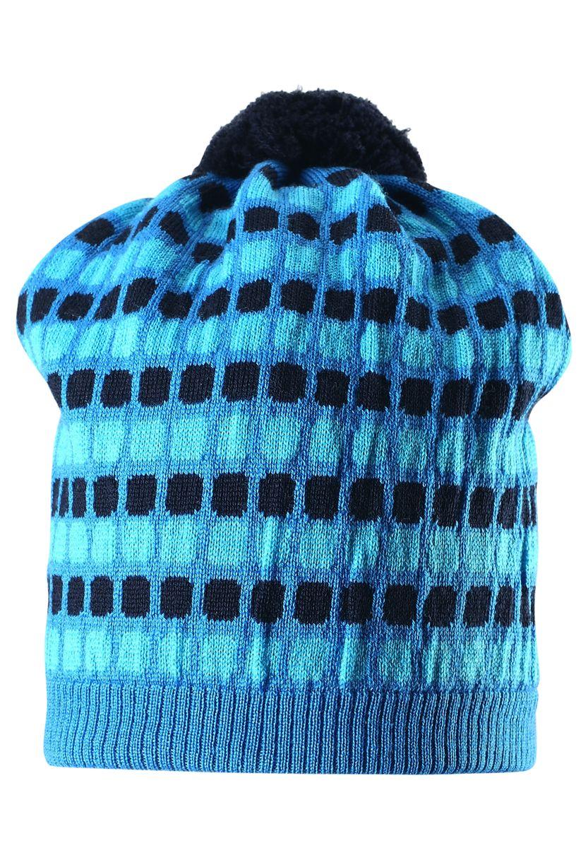 Шапка детская Reima Silmukka, цвет: голубой. 528489-6560. Размер 50528489-6560В этой стильной шерстяной шапочке-бини искатели зимних приключений не замерзнут во время веселого отдыха! Связана из теплой шерсти, поэтому надежно сохраняет тепло, а мягкая хлопчатобумажная подкладка делает шапочку приятной к телу. Ветронепроницаемые вставки в области ушей обеспечат маленьким ушкам дополнительную защиту от холодного ветра. Стильный жаккардовый узор завершает модный образ!