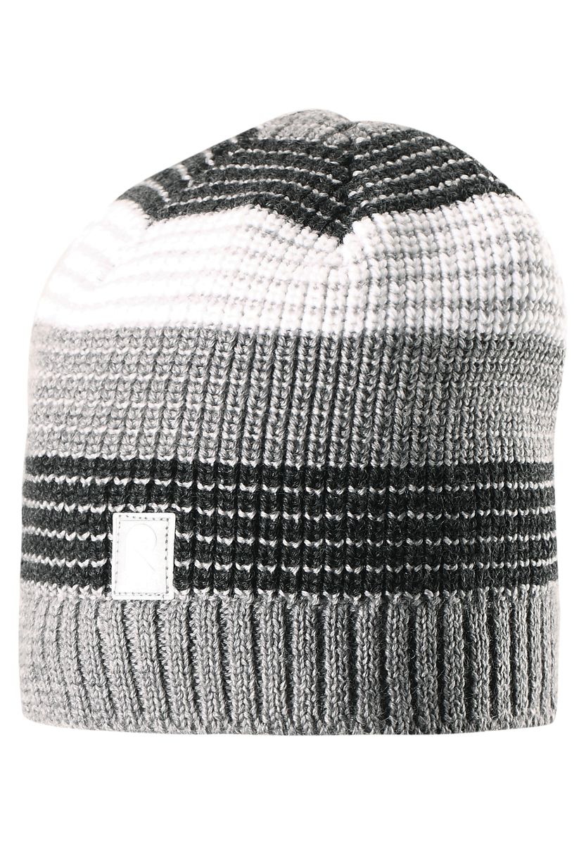 Шапка детская Reima Tuiskutus, цвет: серый. 528498-9400. Размер 50528498-9400Интересный вязаный структурный узор и стильные цвета сезона поднимут настроение в зимнее утро и во время веселой прогулки! Эта шапка для детей связана из смеси толстой шерсти и имеет подкладку из флиса, которая хорошо пропускает воздух. Великолепный выбор для активных зимних деньков! Модель хорошо прилегает к голове, поэтому ребенок не замерзнет и не вспотеет, а ветронепроницаемые вставки в области ушей обеспечат дополнительную защиту от холодного ветра.