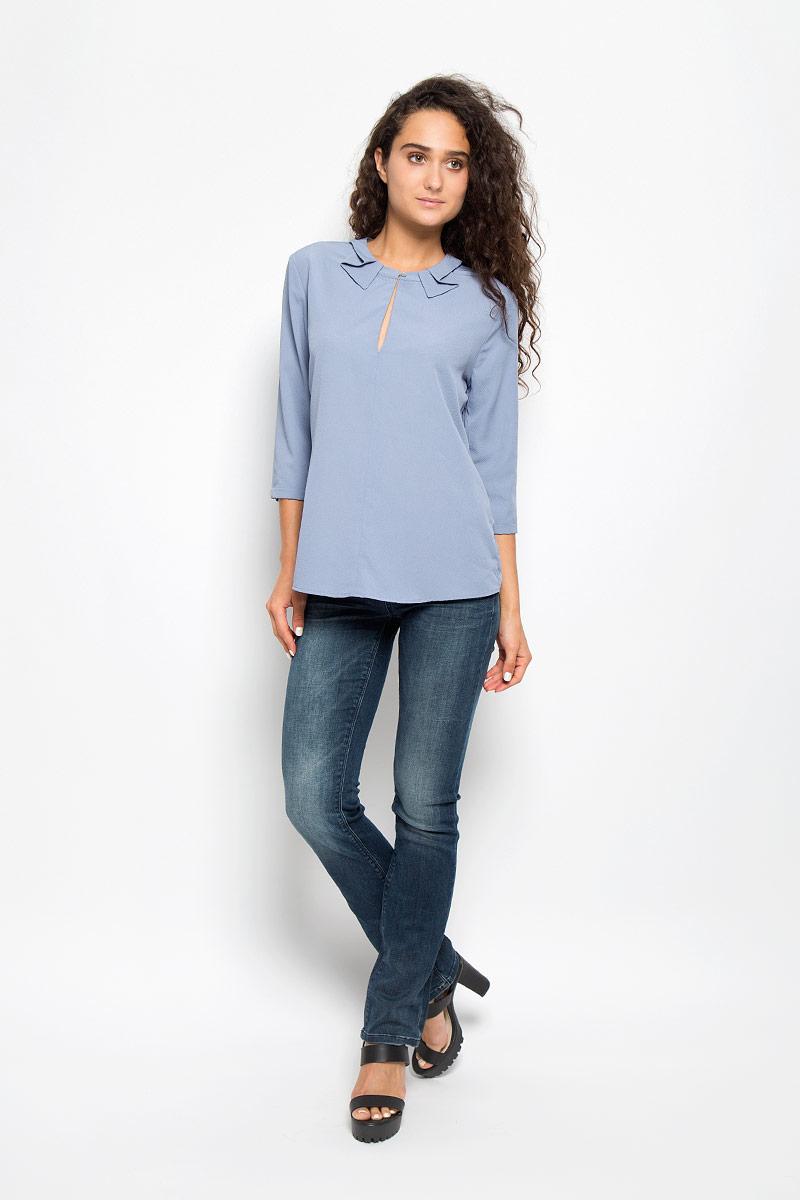 Блузка женская Mexx, цвет: серо-голубой. MX3002125_WM_BLG_009. Размер S (42/44)MX3002125_WM_BLG_009Красивая блузка Mexx займет достойное место в вашем гардеробе. Модель выполнена из легкого материала, приятная на ощупь, хорошо пропускает воздух.Блузка с круглым вырезом горловины и рукавами длиной 3/4 застегивается спереди на пуговицу. Вырез горловины декорирован фигурными вставками. Спереди имеется небольшой разрез. На рукавах предусмотрены узкие отвороты.Блузка поможет создать оригинальный женственный образ!