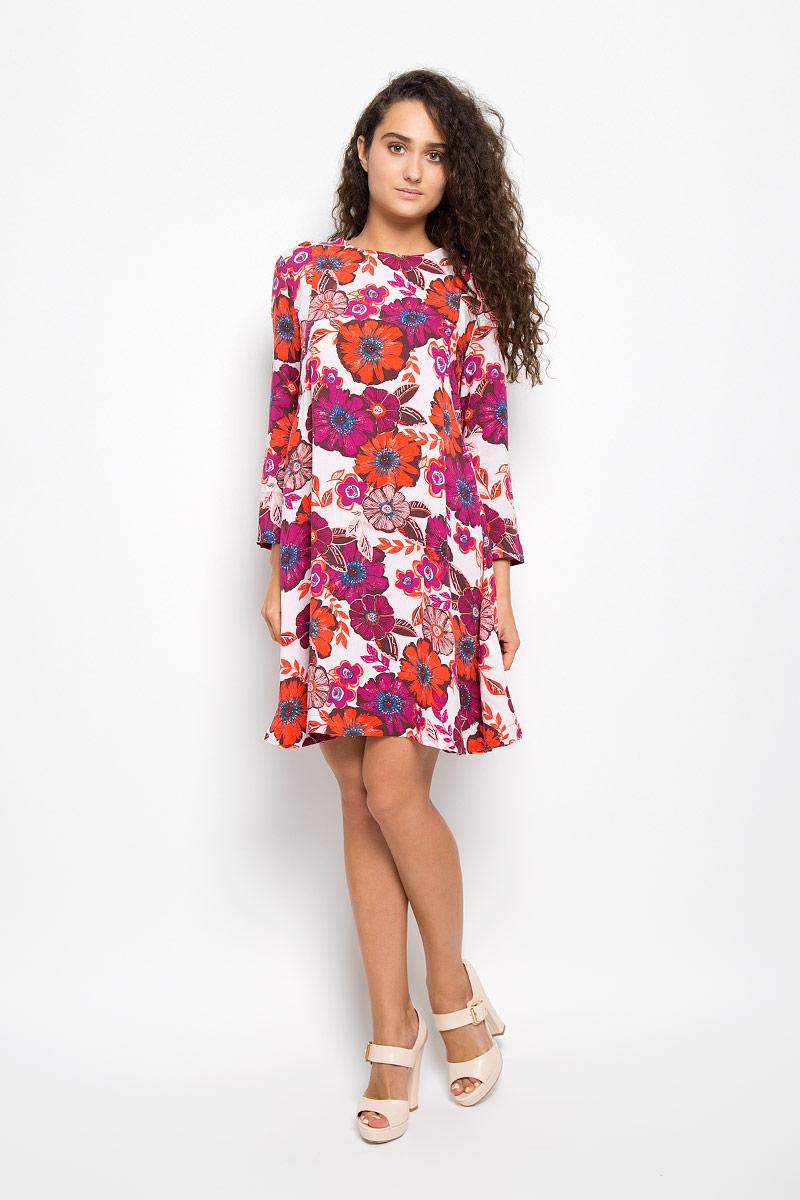Платье Mexx, цвет: белый, оранжевый, баклажановый. MX3025256. Размер S (42/44)MX3025256Элегантное платье Mexx выполнено из высококачественной 100% вискозы. Такое платье обеспечит вам комфорт и удобство при носке и непременно вызовет восхищение у окружающих.Модель средней длины с рукавами 7/8 и круглым вырезом горловины выгодно подчеркнет все достоинства вашей фигуры. Изделие застегивается на пуговицу на спинке. Легкое платье украшено крупным и красочным цветочным принтом. Изысканное платье-миди создаст обворожительный и неповторимый образ.Это модное и комфортное платье станет превосходным дополнением к вашему гардеробу, оно подарит вам удобство и поможет подчеркнуть ваш вкус и неповторимый стиль.