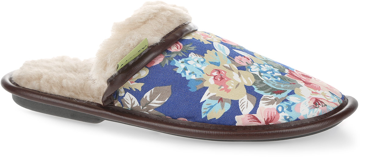 Тапки женские Holty Цветы, цвет: синий, мультиколор, темно-коричневый. 030322-1200/эп. Размер 38030322-1200/эпЖенские тапки Цветы от Holty не дадут вашим ногам замерзнуть. Верх модели выполнен из текстиля с цветочным принтом и дополнен окантовкой из искусственной кожи. Внутренняя поверхность и стелька из натуральной овечьей шерсти обеспечат комфорт. Содержащий в натуральной шерсти животный воск, взаимодействуя с кожей человека, благотворно влияет на мышцы и суставы. Уникальным свойством шерсти является способность поглощать влагу, свободно ее рассеивать, оставляя при этом ноги сухими. Тапки обеспечат прогрев ног сухим теплом, защитят от воздействия холода и сквозняков, и снимут усталость ног. Рельефная подошва, выполненная из материала ЭВА, обеспечивает сцепление с любой поверхностью. Материал ЭВА не пропускает и не впитывает воду. Тапки идеально подойдут для ношения в помещениях с любыми типами полов. Легкие и мягкие тапки подарят чувство уюта и комфорта.