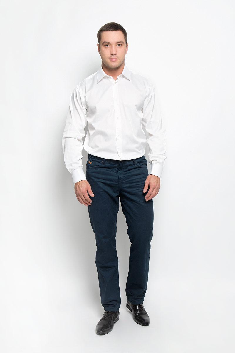Рубашка мужская BTC, цвет: молочный. 12.014838. Размер 50-17012.014838Мужская рубашка BTC изготовлена из хлопка с добавлением полиэстера. Ткань изделия мягкая и очень приятная на ощупь, не сковывает движения и хорошо пропускает воздух. Рубашка с отложным воротником и длинными рукавами застегивается спереди на пуговицы по всей длине. Модель имеет прямой силуэт. На манжетах с отворотами предусмотрены оригинальные застежки-пуговицы.Высокое качество кроя и пошива, дизайн и расцветка придают изделию неповторимый стиль и индивидуальность. Рубашка займет достойное место в вашем гардеробе!