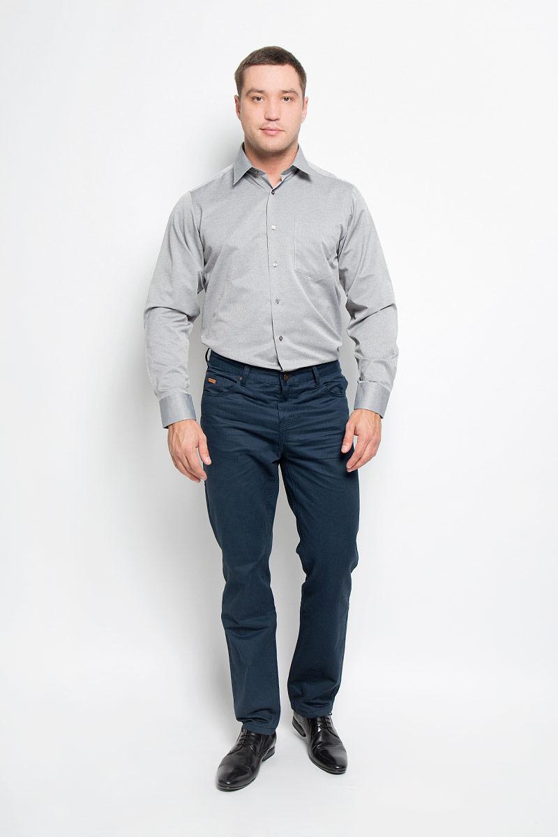 Рубашка мужская BTC, цвет: серый. 12.014877. Размер 56-17612.014877Мужская рубашка BTC выполнена из хлопка с добавлением полиэстера. Материал изделия мягкий, тактильно приятный, не стесняет движений и хорошо пропускает воздух. Рубашка прямого кроя с отложным воротником и длинными рукавами застегивается спереди на пуговицы. На манжетах также предусмотрены застежки-пуговицы. На груди расположен накладной карман.Рубашка отлично подойдет для повседневной носки, в ней вам будет удобно и комфортно!