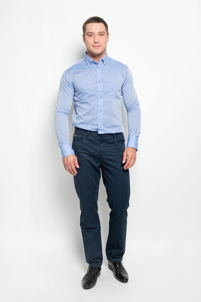 Рубашка мужская BTC, цвет: светло-синий. 12.015091. Размер 44-17612.015091Мужская рубашка BTC изготовлена из натурального хлопка. Ткань изделия тонкая и легкая, тактильно приятная, не сковывает движения и позволяет коже дышать. Рубашка с отложным воротником и длинными рукавами застегивается спереди на пуговицы по всей длине. Модель имеет прямой силуэт. На манжетах предусмотрены застежки-пуговицы. На груди расположены два накладных кармана. Рубашка будет дарить вам комфорт в течение всего дня и станет стильным дополнением к вашему гардеробу!