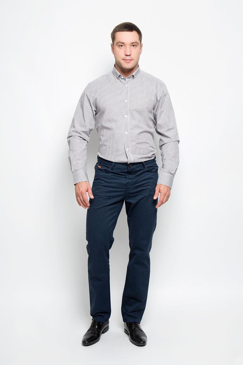Рубашка мужская BTC, цвет: белый, коричневый. 12.014833. Размер 54-17012.014833Мужская рубашка BTC выполнена из натурального хлопка. Материал изделия мягкий, тактильно приятный, не стесняет движений и позволяет коже дышать. Рубашка с отложным воротником и длинными рукавами застегивается спереди на пуговицы. На манжетах также предусмотрены застежки-пуговицы. Оформлено изделие принтом в клетку.Эта рубашка идеально подойдет для повседневной носки, она подарит вам удобство и комфорт!