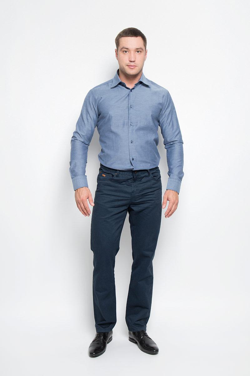 Рубашка мужская BTC, цвет: серо-синий. 12.014854. Размер 46-17612.014854Мужская рубашка BTC изготовлена из натурального хлопка. Ткань изделия легкая, мягкая и приятная на ощупь, не сковывает движения и хорошо пропускает воздух. Рубашка с отложным воротником и длинными рукавами застегивается спереди на пуговицы по всей длине. Модель имеет слегка приталенный силуэт. Манжеты на рукавах также имеют застежки-пуговицы. На воротнике и манжетах предусмотрена принтованная подкладка.Такая модель будет дарить вам комфорт в течение всего дня и станет стильным дополнением к вашему гардеробу!