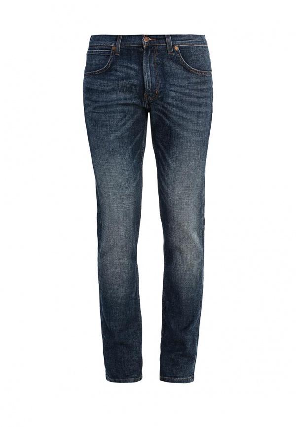 Джинсы мужские Wrangler Bostin, цвет: темно-синий. W17S7777U. Размер 34-32 (50-32)W17S7777UСтильные мужские джинсы Wrangler Bostin изготовлены из эластичного хлопка.Джинсы-слим средней посадки застегиваются на пуговицу в поясе и ширинку на застежке-молнии. На поясе имеются шлевки для ремня. Спереди модель дополнена двумя втачными карманами и одним небольшим накладным кармашком, а сзади - двумя накладными карманами. Модель оформлена эффектом потертости, перманентными складками и контрастной прострочкой.