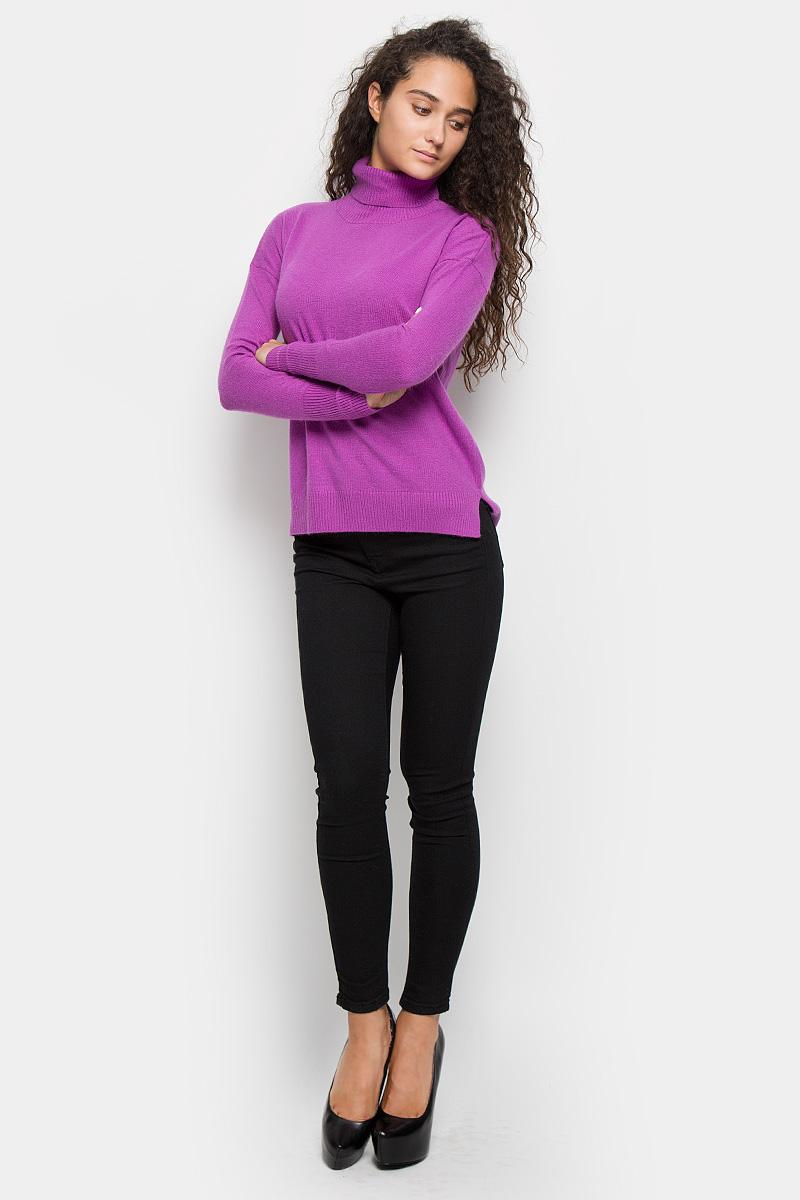 Водолазка женская Baon, цвет: сиреневый. B166514. Размер S (44)B166514_EudialyteОригинальная женская водолазка Baon, изготовленная из высококачественной пряжи, мягкая и приятная на ощупь, не сковывает движений и обеспечивает наибольший комфорт.Модель с воротником-гольф и длинными рукавами великолепно подойдет для создания образа в стиле Casual. Однотонная водолазка отлично сочетается с любыми нарядами. Низ изделия, манжеты и воротник связаны резинкой. Спинка модели немного удлинена, по бокам имеются разрезы. Эта водолазка послужит отличным дополнением к вашему гардеробу. В ней вы всегда будете чувствовать себя уютно и комфортно в прохладную погоду.