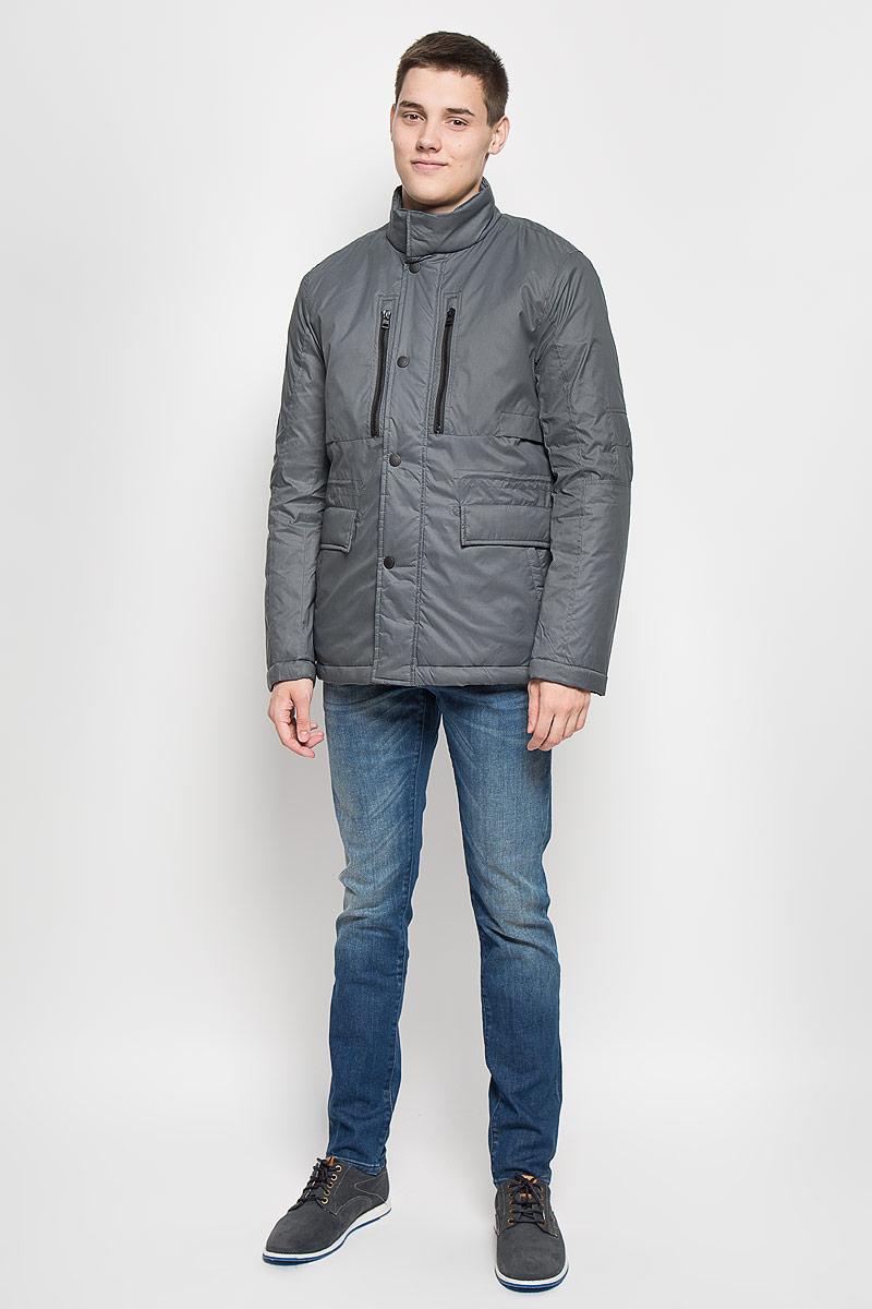 Куртка мужская Mexx, цвет: серый. MX3000578. Размер XL (52/54)MX3000578Стильная мужская куртка Mexx превосходно подойдет для прохладных дней. Куртка выполнена из полиэстера, она отлично защищает от дождя, снега и ветра. Модель с длинными рукавами и воротником-стойкой застегивается на застежку-молнию и имеет ветрозащитный клапан на кнопках. Изделие дополнено двумя втачными карманами на застежках-молниях, двумя открытыми втачнымикарманами и двумя втачными карманами на клапанах с кнопками, а также внутренним карманом на кнопке. Объем талии регулируется при помощи внутреннего шнурка-кулиски со стопперами.Эта модная и в то же время комфортная куртка согреет вас в холодное время года и отлично подойдет как для прогулок, так и для активного отдыха.