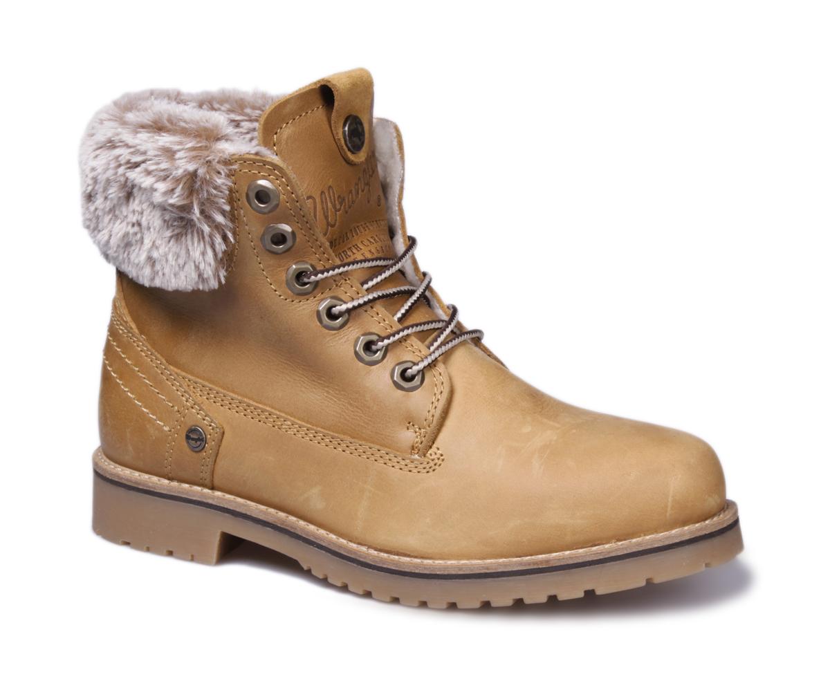 Ботинки женские Wrangler Creek Alaska, цвет: светло-коричневый. WL162703M-71. Размер 37WL162703M-71Стильные женские ботинки Creek Alaska от Wrangler выполнены из натуральной кожи и оформлены меховыми отворотами. Подкладка и стелька из искусственного меха не дадут ногам замерзнуть. Шнуровка надежно зафиксирует модель на ноге. Подошва дополнена рифлением.
