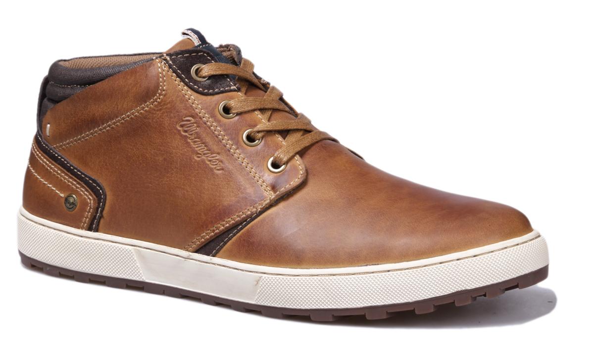 Ботинки мужские Wrangler Bruce Desert, цвет: светло-коричневый. WM162131-64. Размер 40WM162131-64Стильные мужские ботинки Bruce Desert от Wrangler выполнены из натуральной кожи. Подкладка и стелька из текстиля комфортны при движении. Шнуровка надежно зафиксирует модель на ноге. Подошва дополнена рифлением.