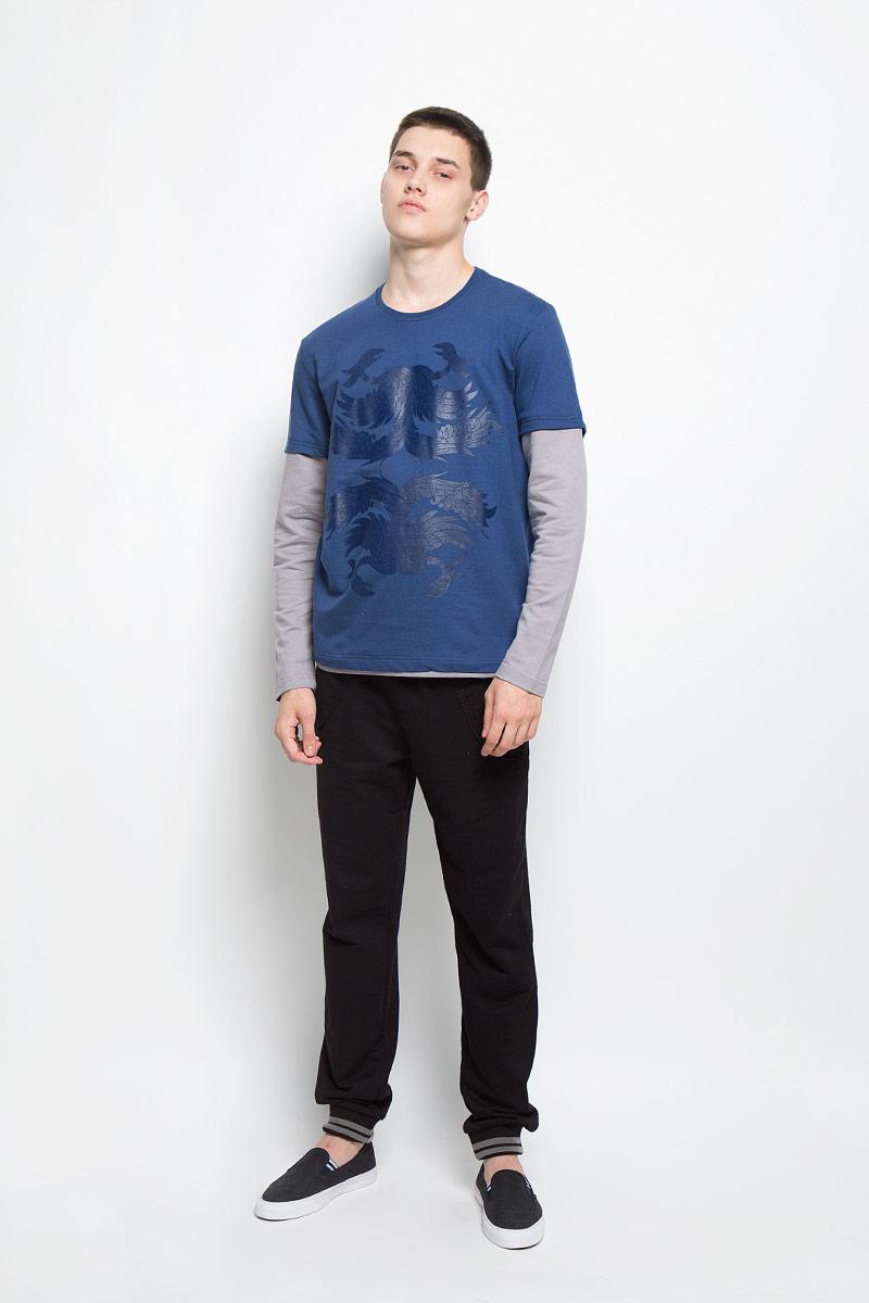 Лонгслив мужской RAV, цвет: синий, серый. RAV01-024. Размер L (50)RAV01-024Мужской лонгслив RAV, изготовленный из натурального хлопка, станет отличным дополнением к вашему гардеробу. Материал изделия приятный на ощупь, не сковывает движений и позволяет коже дышать.Модель с круглым вырезом горловины и длинными рукавами оформлена спереди оригинальным принтом. Вырез горловины дополнен трикотажной резинкой. Современный дизайн и расцветка делают этот лонгслив стильным предметом мужской одежды. Такая модель подарит вам комфорт в течение всего дня.